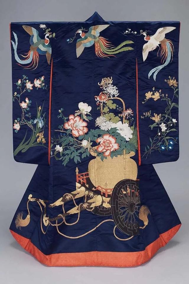 Chiêm ngưỡng họa tiết 4 mùa tuyệt sắc của kimono Nhật Bản - 14