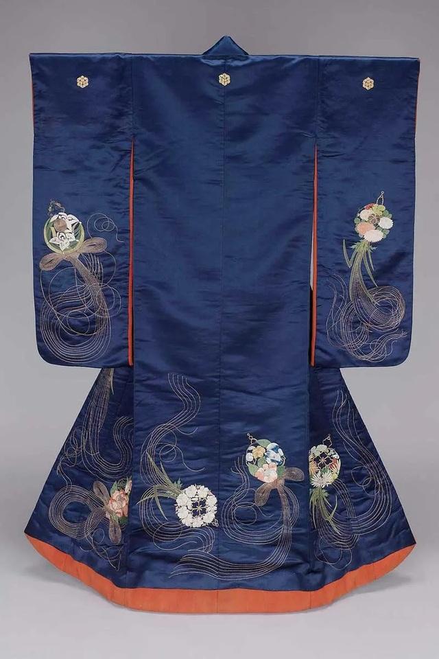 Chiêm ngưỡng họa tiết 4 mùa tuyệt sắc của kimono Nhật Bản - 3