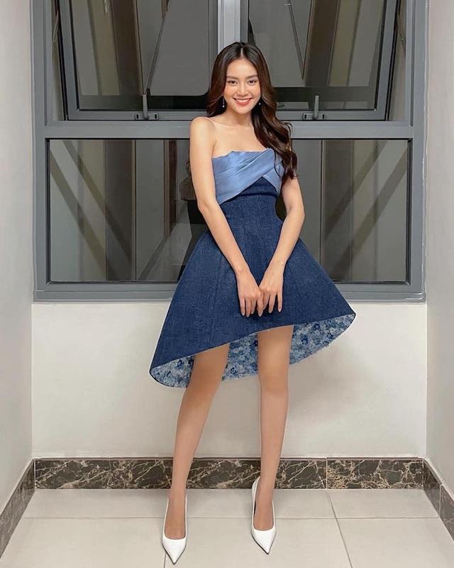Dịp hiếm hoi Ngô Thanh Vân, Thanh Hằng khoe dáng với áo tắm - 9