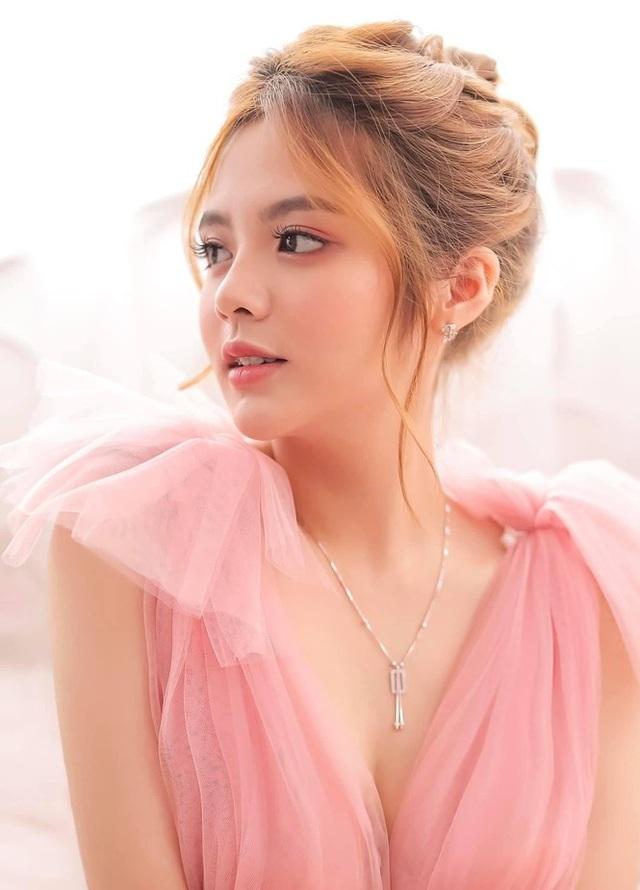 Bộ ảnh đẹp như công chúa của nữ sinh Đại học Công nghiệp TP.HCM - 1