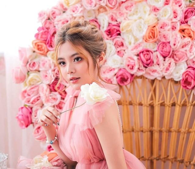 Bộ ảnh đẹp như công chúa của nữ sinh Đại học Công nghiệp TP.HCM - 4