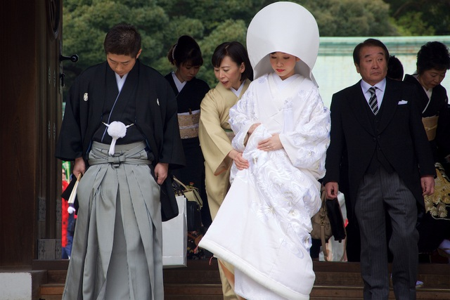 Vì sao cô dâu Nhật Bản mặc kimono trắng trong lễ cưới? - 1