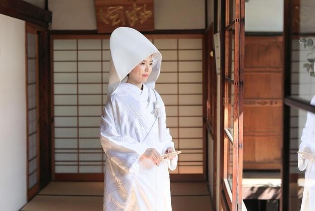 Vì sao cô dâu Nhật Bản mặc kimono trắng trong lễ cưới? - 2