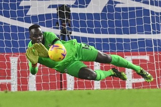 Chelsea 0-0 Tottenham: Những toan tính bóp nghẹt trận đấu - 10