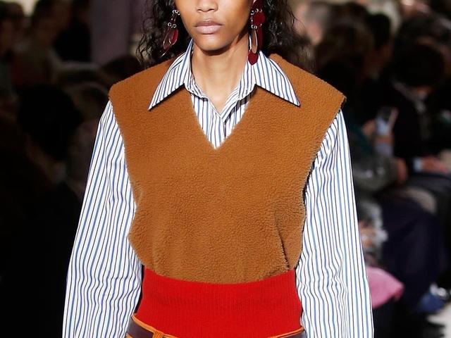 Nhìn lại những xu hướng thời trang thịnh hành trong năm qua - 8