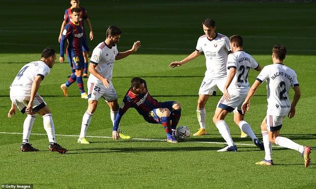 Barcelona thắng đậm Osasuna trong ngày Messi tri ân Maradona - 6