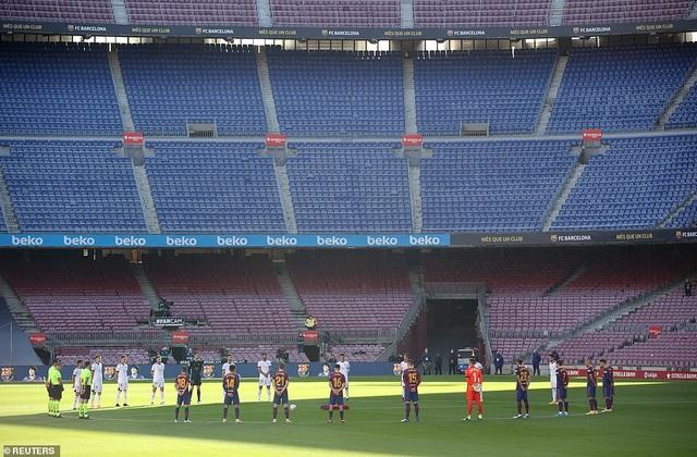 Barcelona thắng đậm Osasuna trong ngày Messi tri ân Maradona - 1