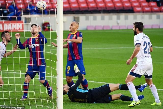 Barcelona thắng đậm Osasuna trong ngày Messi tri ân Maradona - 2