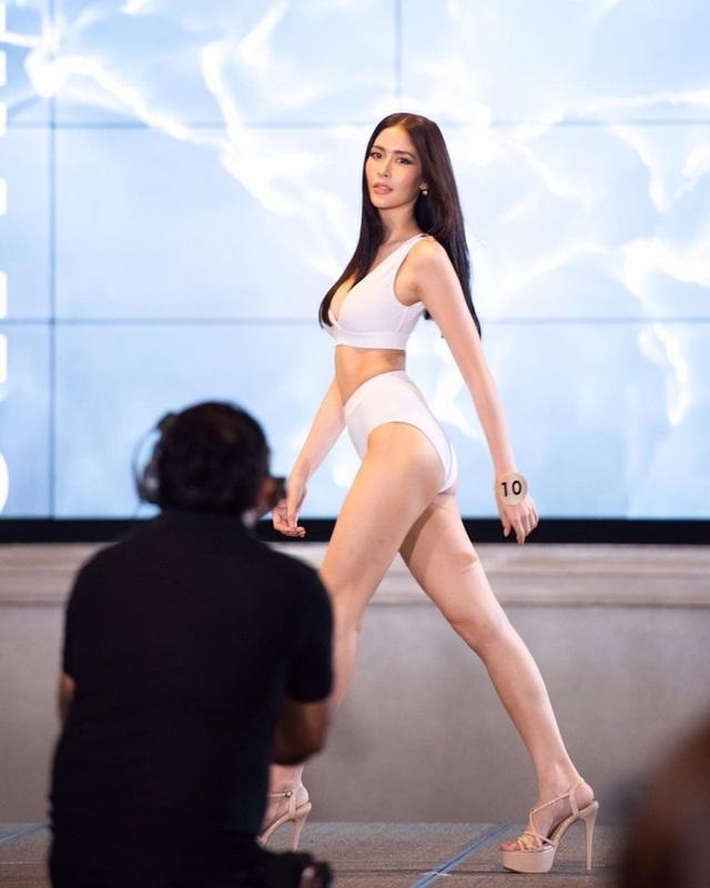 Ngoại hình xinh đẹp và gợi cảm của tân hoa hậu chuyển giới Thái Lan - 17