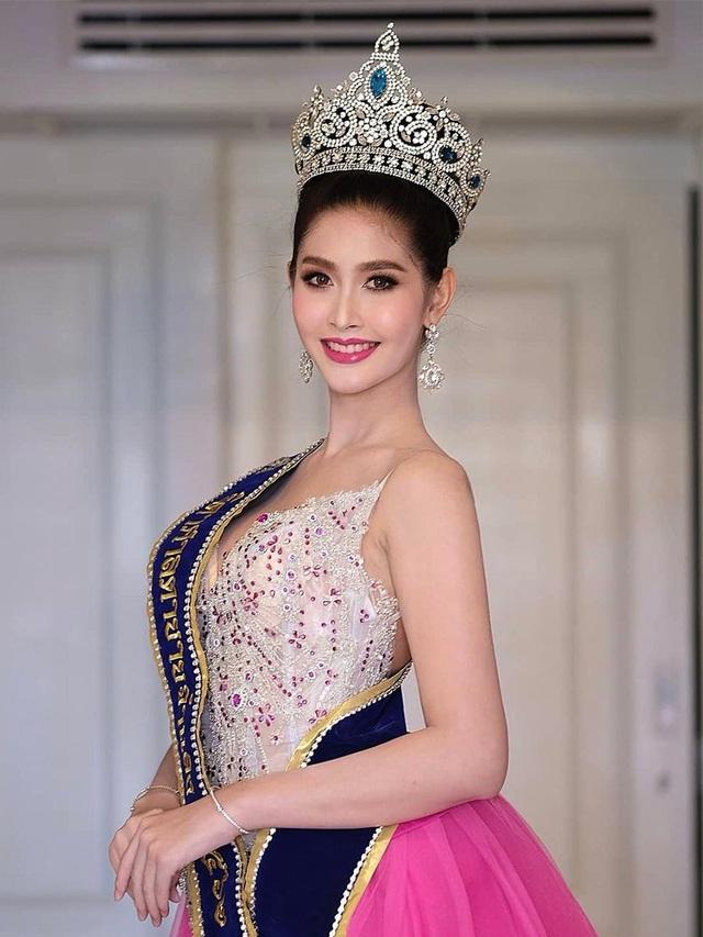Ngoại hình xinh đẹp và gợi cảm của tân hoa hậu chuyển giới Thái Lan - 1
