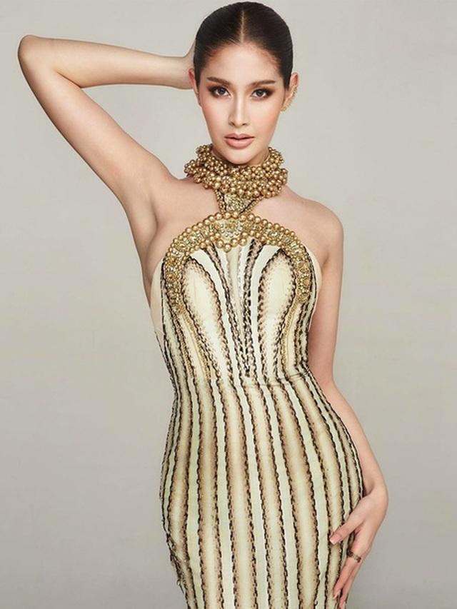 Ngoại hình xinh đẹp và gợi cảm của tân hoa hậu chuyển giới Thái Lan - 22