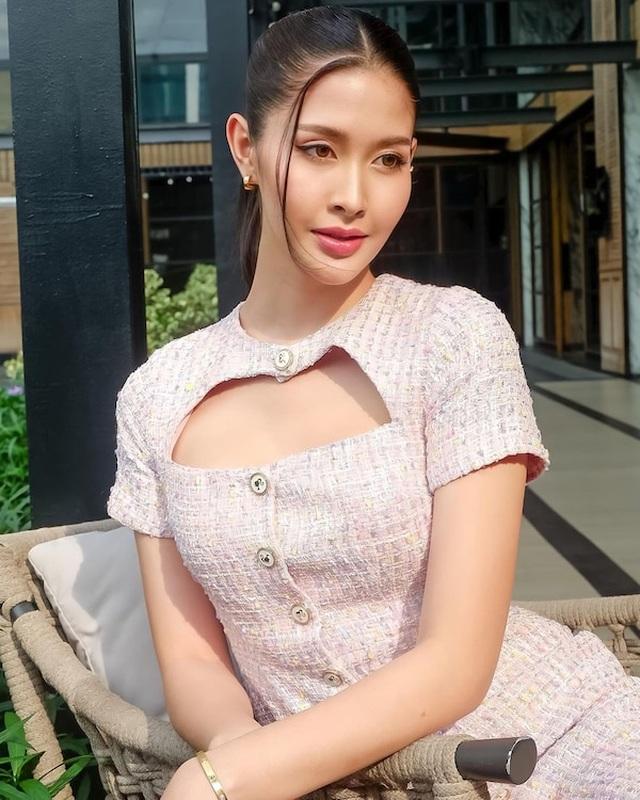 Ngoại hình xinh đẹp và gợi cảm của tân hoa hậu chuyển giới Thái Lan - 19