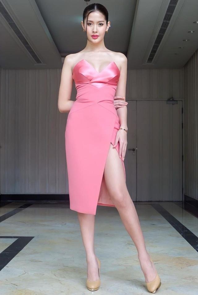 Ngoại hình xinh đẹp và gợi cảm của tân hoa hậu chuyển giới Thái Lan - 20
