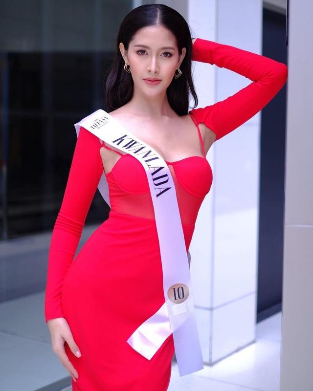 Ngoại hình xinh đẹp và gợi cảm của tân hoa hậu chuyển giới Thái Lan - 15