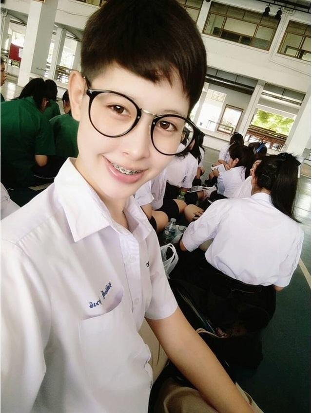 Ngoại hình xinh đẹp và gợi cảm của tân hoa hậu chuyển giới Thái Lan - 4