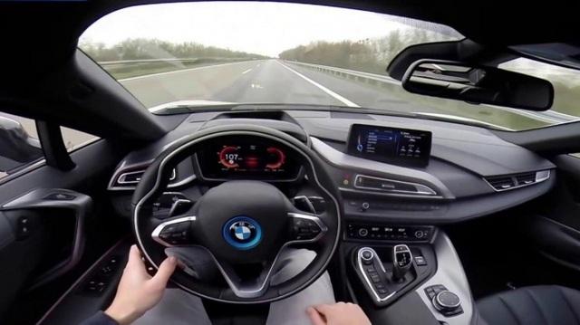 Bấm nút khởi động ô tô khi xe đang chạy, hậu quả thế nào? - 3