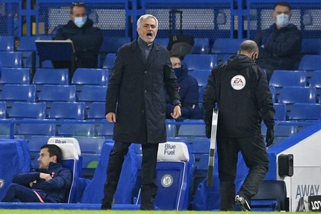 Chelsea 0-0 Tottenham: Những toan tính bóp nghẹt trận đấu - 5
