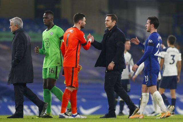 Chelsea 0-0 Tottenham: Những toan tính bóp nghẹt trận đấu - 2
