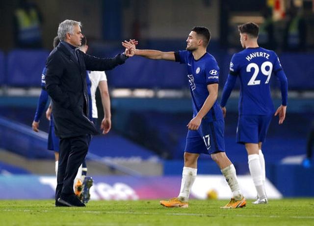 HLV Mourinho: Tottenham chỉ là ngựa con ở cuộc đua vô địch - 1