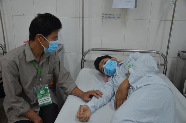 Bác sĩ bệnh viện Bạch Mai kêu gọi giúp đỡ ghép tế bào gốc cho ông bố trẻ - 4