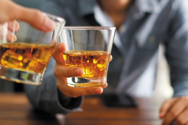 Rượu bia hủy hoại lá gan như thế nào? - 1