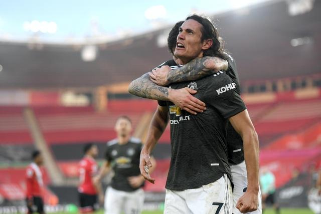 Man Utd ngược dòng ấn tượng: Cavani có phải đấng cứu thế? - 3