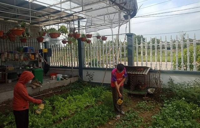 Giấc mơ sản phẩm thảo mộc bảo vệ rau màu của cô trò xứ Nghệ - 5