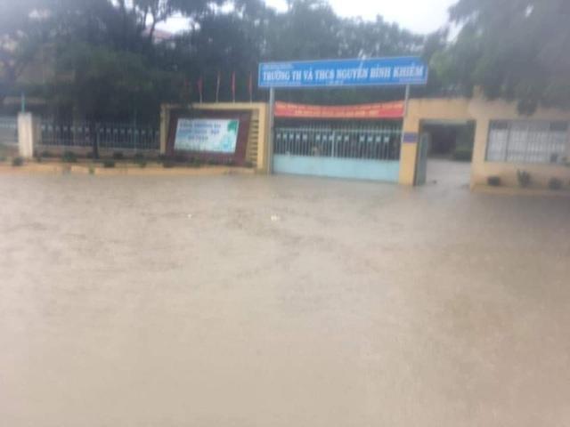 Ninh Thuận mưa lớn ngập lụt nhiều nơi - 5