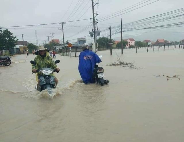 Ninh Thuận mưa lớn ngập lụt nhiều nơi - 2