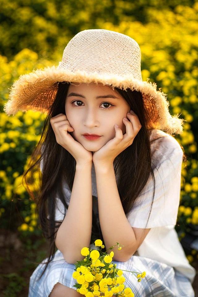 Nữ sinh 15 tuổi vui vì được khen xinh như ca sĩ Chi Pu - 2