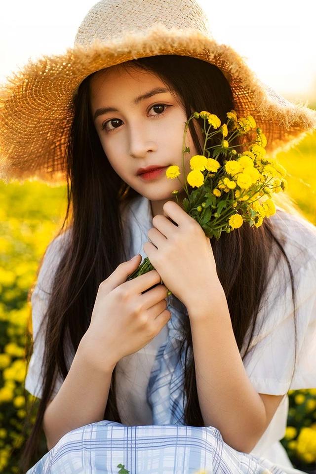 Nữ sinh 15 tuổi vui vì được khen xinh như ca sĩ Chi Pu - 3