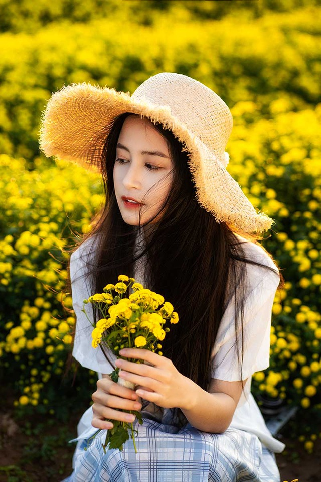 Nữ sinh 15 tuổi vui vì được khen xinh như ca sĩ Chi Pu - 7