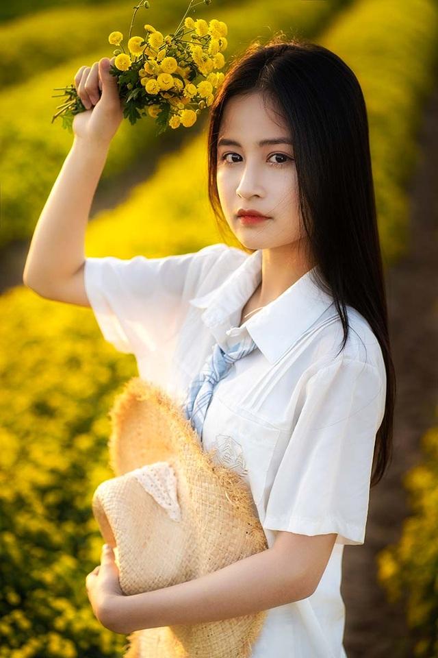 Nữ sinh 15 tuổi vui vì được khen xinh như ca sĩ Chi Pu - 11