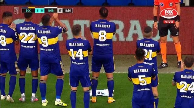 Con gái Maradona òa khóc khi chứng kiến hình ảnh tri ân người cha - 1