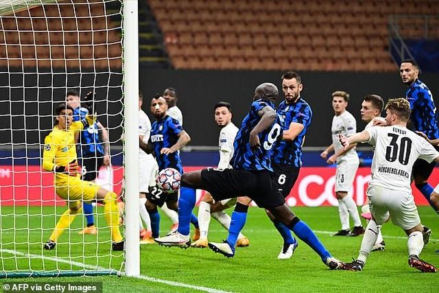 Real Madrid tìm vé đi tiếp, Inter Milan vào thế đường cùng - 1