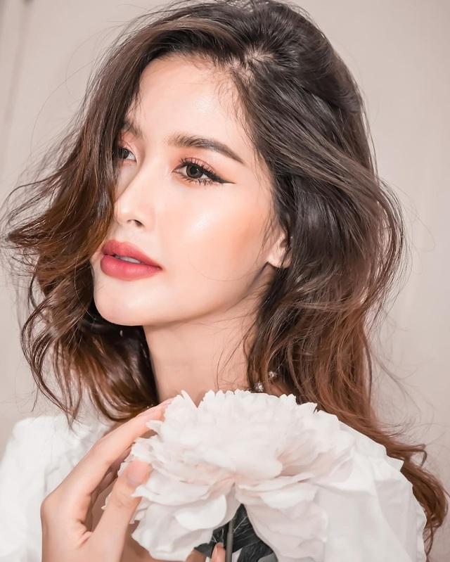 Ngoại hình xinh đẹp và gợi cảm của tân hoa hậu chuyển giới Thái Lan - 9