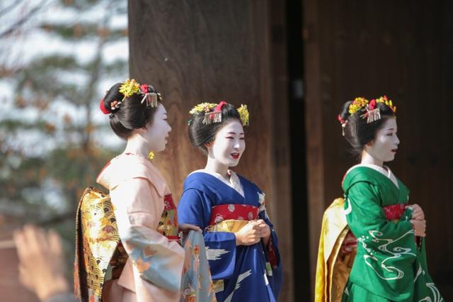 Trải nghiệm mặc kimono, trang điểm như một maiko thứ thiệt - 1