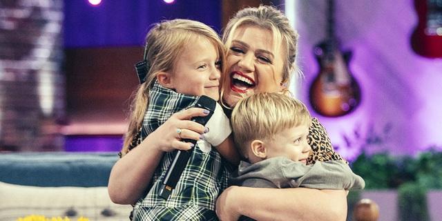 Chồng cũ của Kelly Clarkson đòi vợ chi gần 500 nghìn USD mỗi tháng - 5