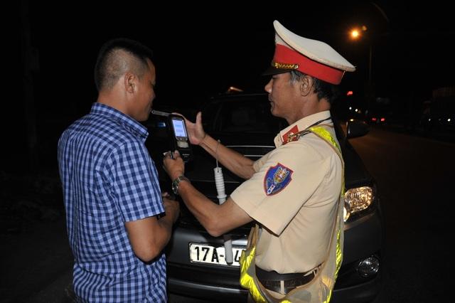 Phạt tăng nặng nếu tài xế tái vi phạm nồng độ cồn - 1