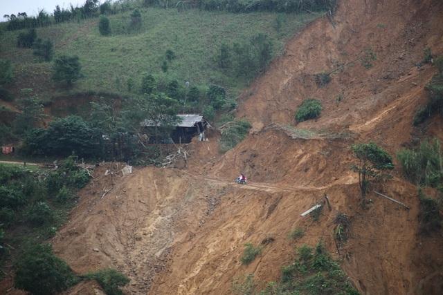 Quảng Trị: Người dân vùng sạt lở đất sống trong thấp thỏm - 5