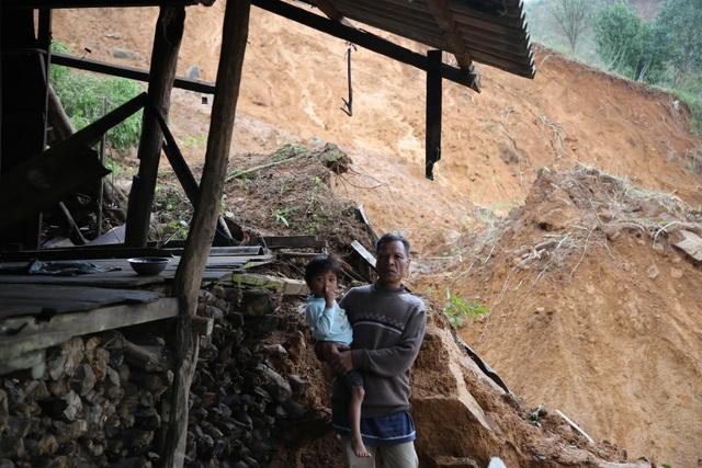 Quảng Trị: Người dân vùng sạt lở đất sống trong thấp thỏm - 2