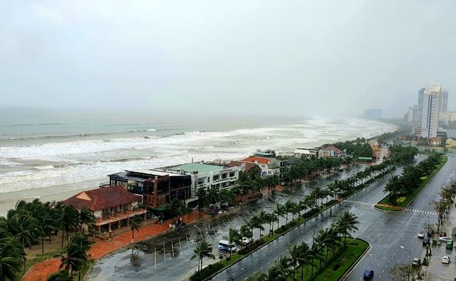 Hôm nay nhiều tỉnh miền Trung tiếp tục mưa to - 1
