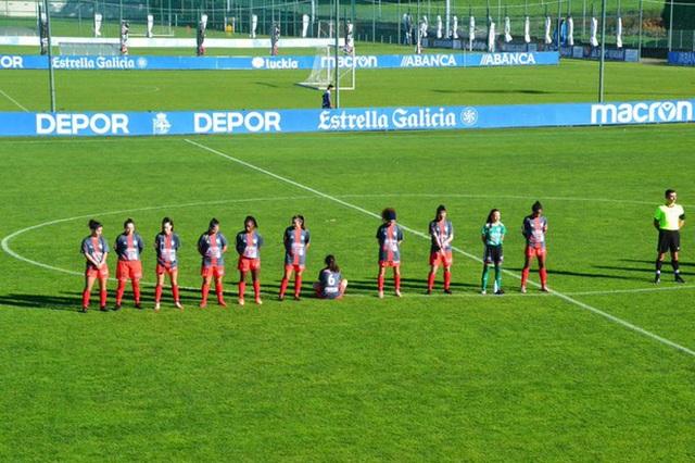 Nữ cầu thủ gây sốc khi quay lưng, từ chối tưởng nhớ Maradona - 1
