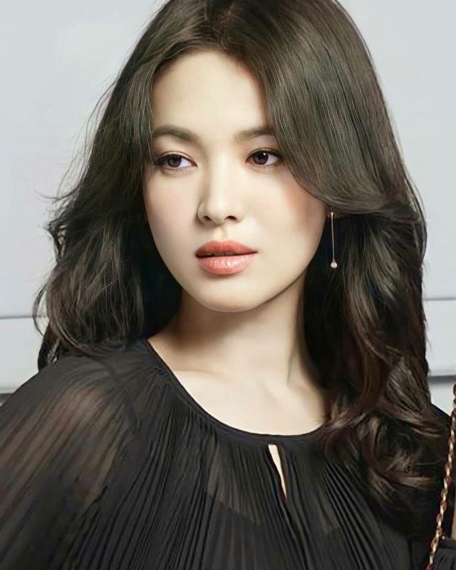 Song Hye Kyo đẹp rực rỡ và mặn mà sau ly hôn - 5