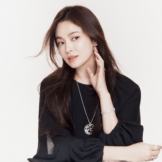 Song Hye Kyo đẹp rực rỡ và mặn mà sau ly hôn - 8