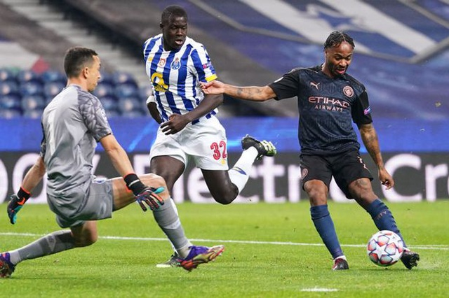 VAR khiến Man City tuột chiến thắng trước Porto - 2