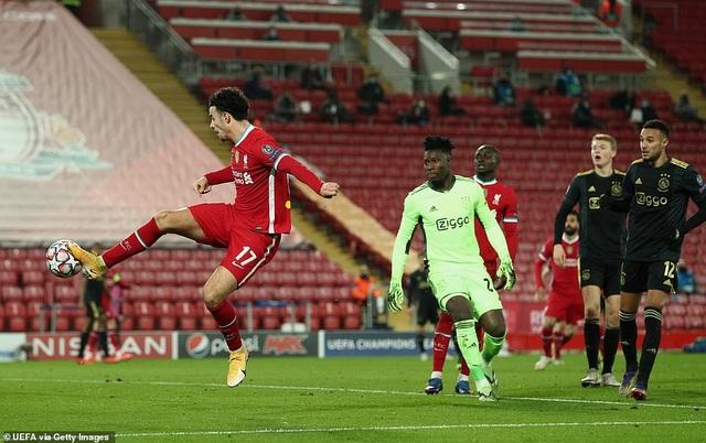 Người hùng mới tỏa sáng, Liverpool vượt qua vòng bảng Champions League - 2
