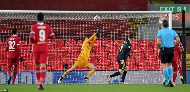 Người hùng mới tỏa sáng, Liverpool vượt qua vòng bảng Champions League - 3