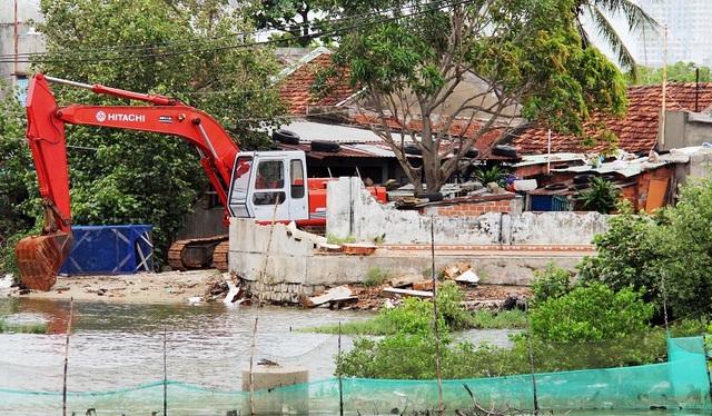 Khốn khổ hàng trăm hộ dân sống treo giữa phố tại Bình Định! - 4