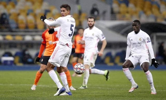 Real Madrid liên tục thua sốc: Thánh Zidane đã hết phép? - 4